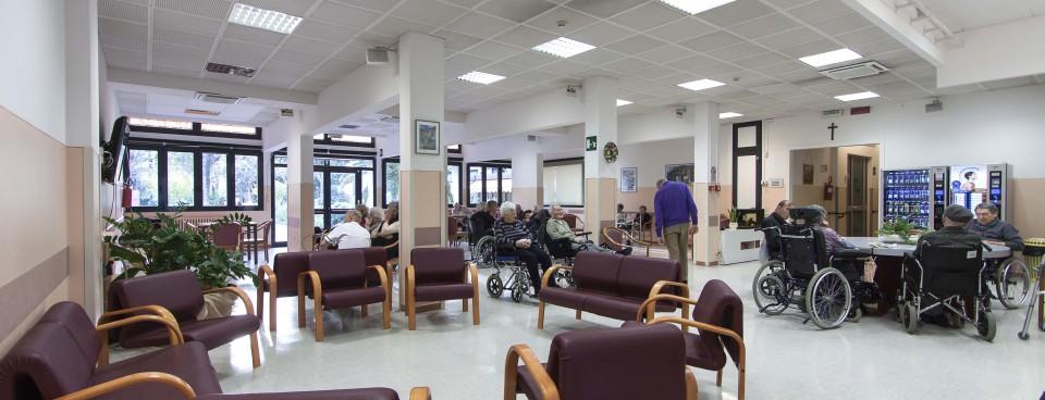 Terni chiusa una casa di riposo abusiva for Arredamenti case di riposo