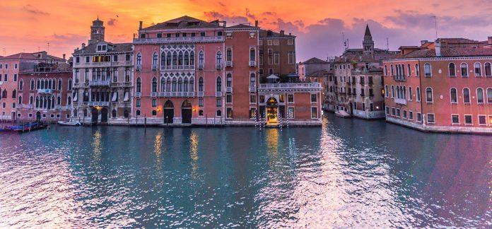 anziani soli a Venezia